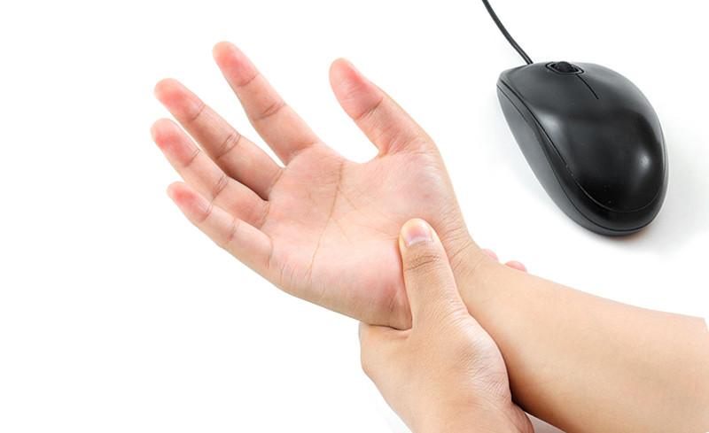 fájdalom az ujjak ízületeiben feszítés után mi a térdízületi kezelés szinovitisz