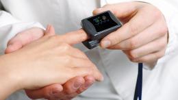 ujjra csiptethető pulzoximéter